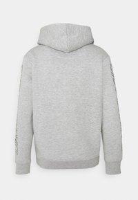 Daily Basis Studios - PHOTO HOOD UNISEX - Sweatshirt - grey marl - 1