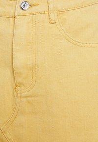 Missguided Petite - RAW EDGE SKIRT - Mini skirt - yellow - 2