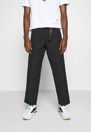 STAY LOOSE CLIMBER  - Trousers - jet black
