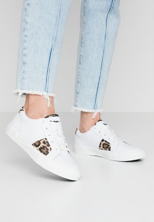 SKYLA BAY OXFORD - Trainers - white