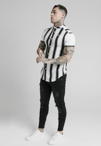 SIKSILK - Shirt - black/white - 1