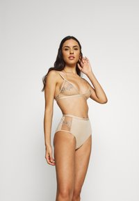 NA-KD - ROMANTIC FRENCH EMBROIDED BRALETTE - Triangel BH - tapioca - 1