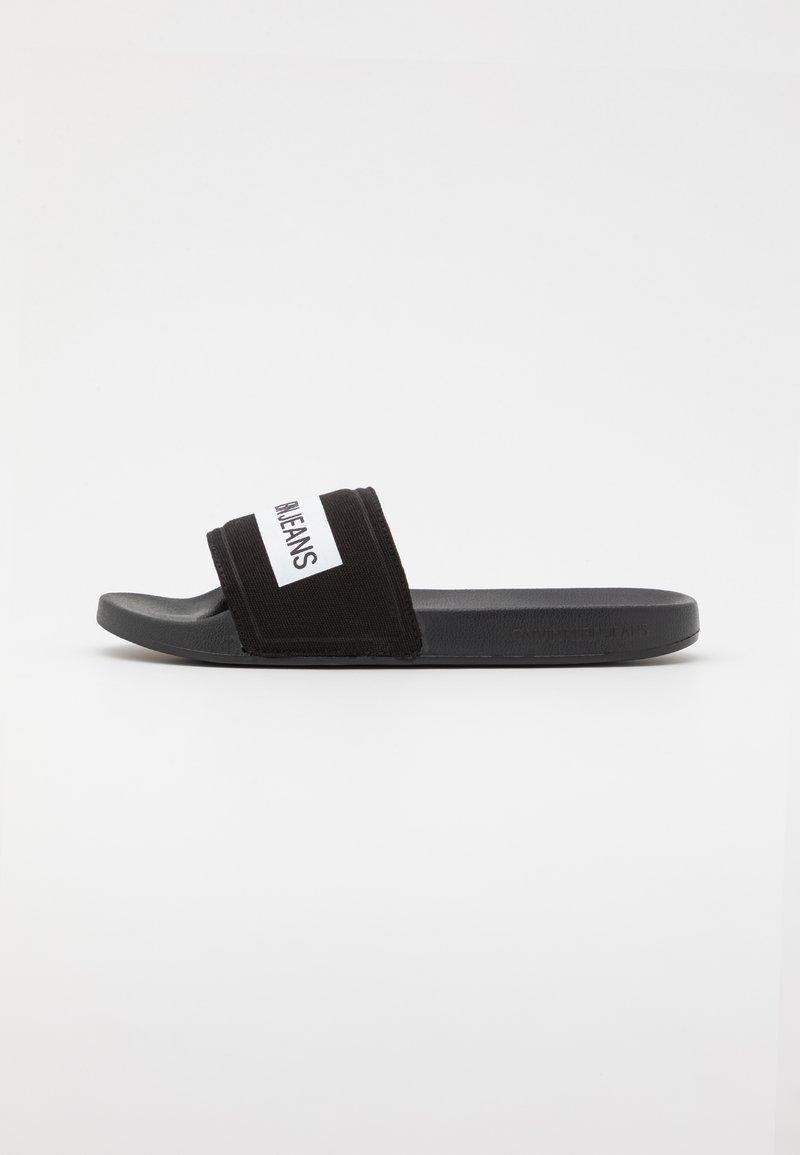 Calvin Klein Jeans - SLIDE TAPE - Matalakantaiset pistokkaat - black