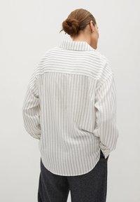 Mango - STRIPE - Button-down blouse - blanc - 2