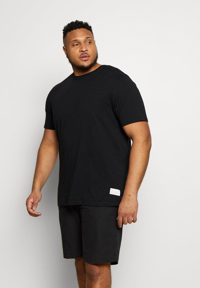 Jack & Jones - JCOALEX TEE CREW NECK - Basic T-shirt - black