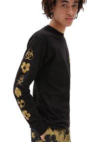 Vans - MN DARK TIKI LS - Long sleeved top - black - 1