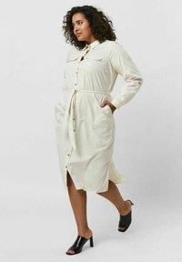 Vero Moda Curve - Shirt dress - birch - 4