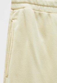 PULL&BEAR - Shorts - yellow - 7