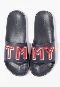 Tommy Hilfiger - COLORFUL POOL SLIDE - Sandály do bazénu - blue - 7