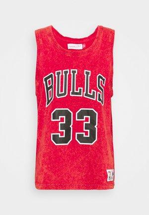 NBA CHICAGO BULLS SCOTTIE PIPPEN ACID WASH TANK - Equipación de clubes - scarlet