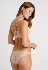 Stella McCartney Lingerie - SMOOTH RACERBACK PLUNGE - Push-up podprsenka - nude - 2