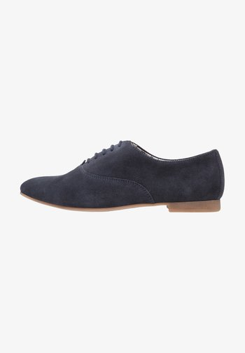 LEATHER FLAT SHOES LACE-UPS