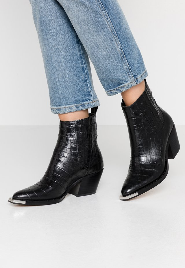 ABIE EMBOSSED LEA - Cowboy/biker ankle boot - black