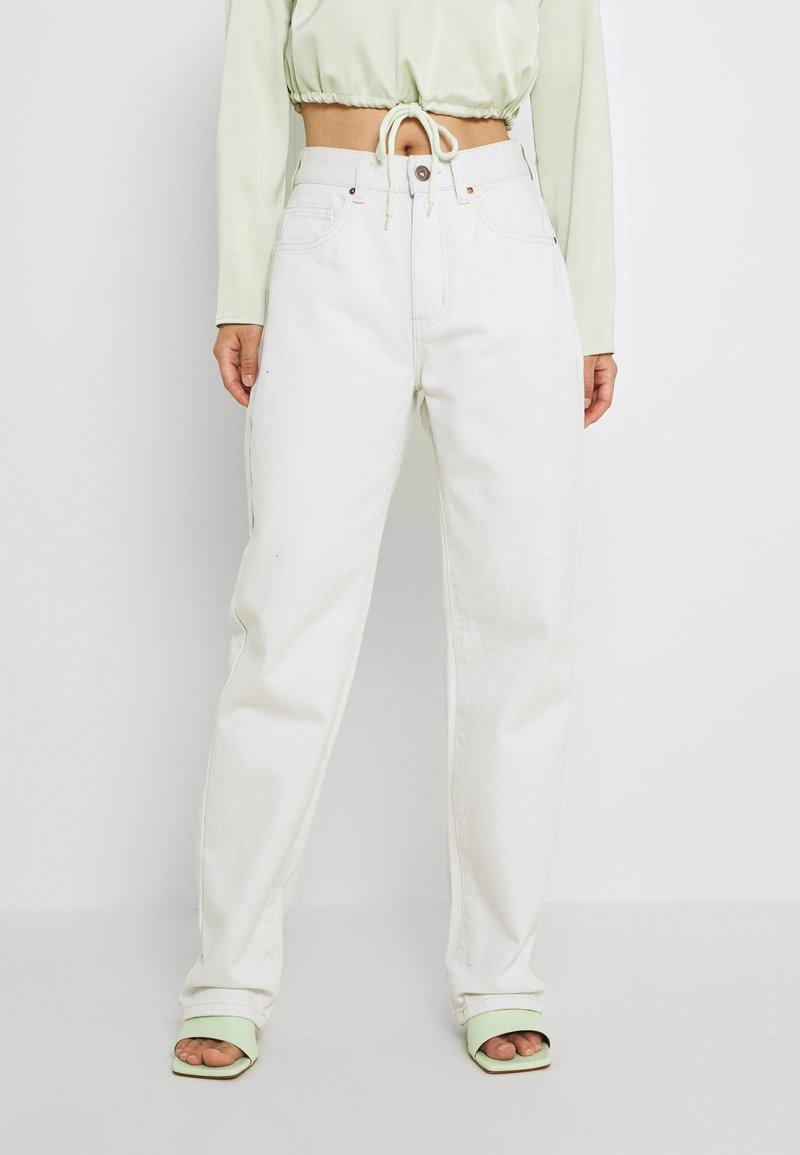 Cotton On Petite - STRAIGHT - Straight leg -farkut - whitehaven