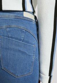 TOM TAILOR DENIM - Jeans Skinny Fit - azure blue denim - 4