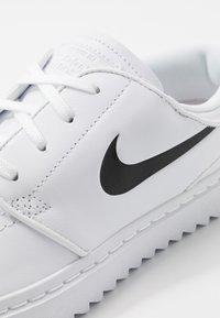 Nike Golf - JANOSKI G - Golfsko - white/black - 5