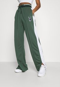 Missguided - PLAYBOY VARSITY WIDE LEG TRICOT PANTS - Tracksuit bottoms - green - 0