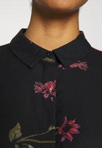 Vero Moda - VMGALLIE DRESS - Shirt dress - black - 4