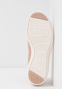 Skechers - ARYA - Baleríny - rose metallic/offwhite/rose gold - 6