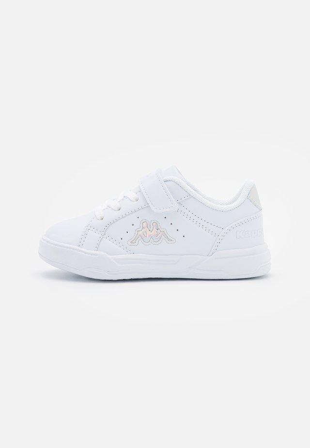 ASUKA UNISEX - Sportovní boty - white/multicolor