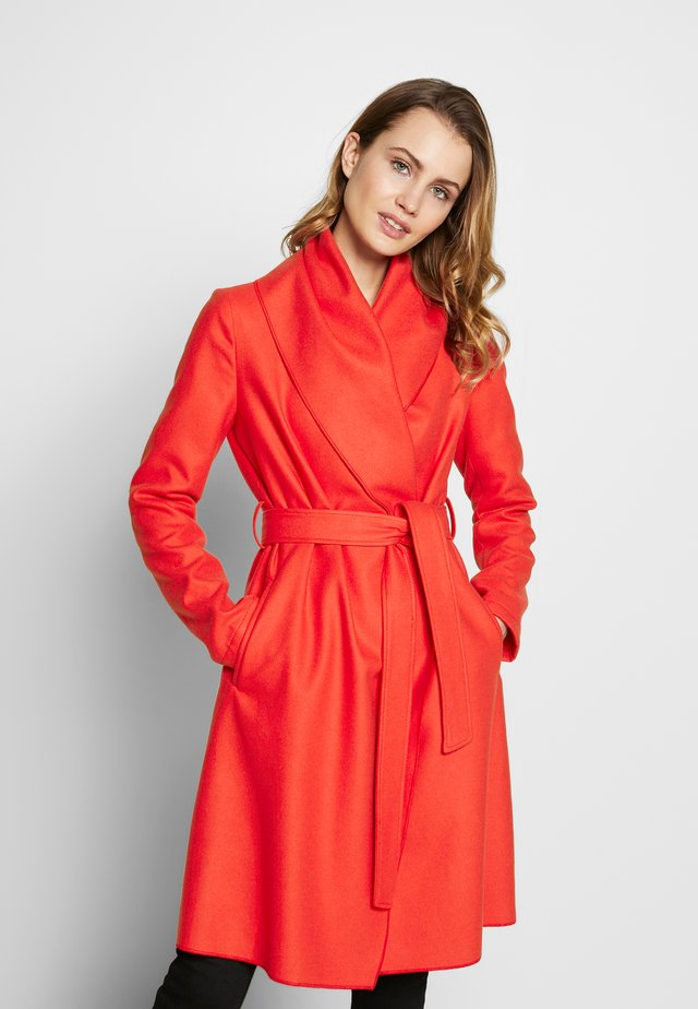 COAT - Villakangastakki - red