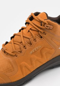 Keen - EXPLORE MID WP - Hiking shoes - pumpkin spice/mulch - 5
