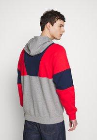 adidas Originals - HOODY - Bluza z kapturem - red/mottled grey/dark blue - 2