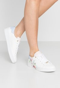 Ted Baker - LENNEI - Sneakers laag - ivory - 0
