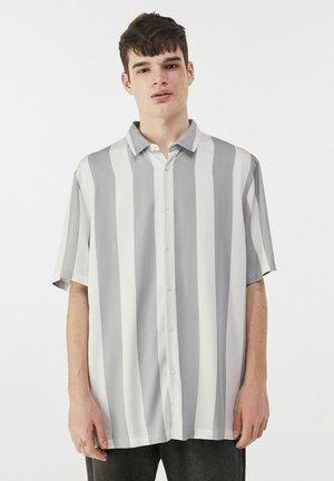 MIT STREIFEN - Shirt - grey