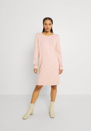 VIRIL DRESS - Pletené šaty - misty rose melange