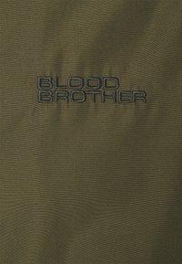 Blood Brother - WATTS COACH JACKET UNISEX - Kevyt takki - khaki - 7