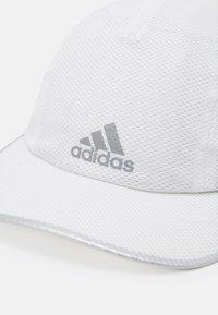 adidas Performance - BASICS AEROREADY SPORTS RUNNING KAPPE UNISEX - Gorra - white - 4
