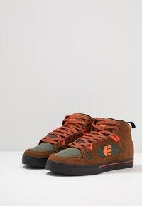 Etnies - AGRON - Skate shoes - brown/black - 2