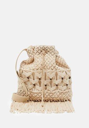 CROCHET SHOULDER BAG - Velká kabelka - beige