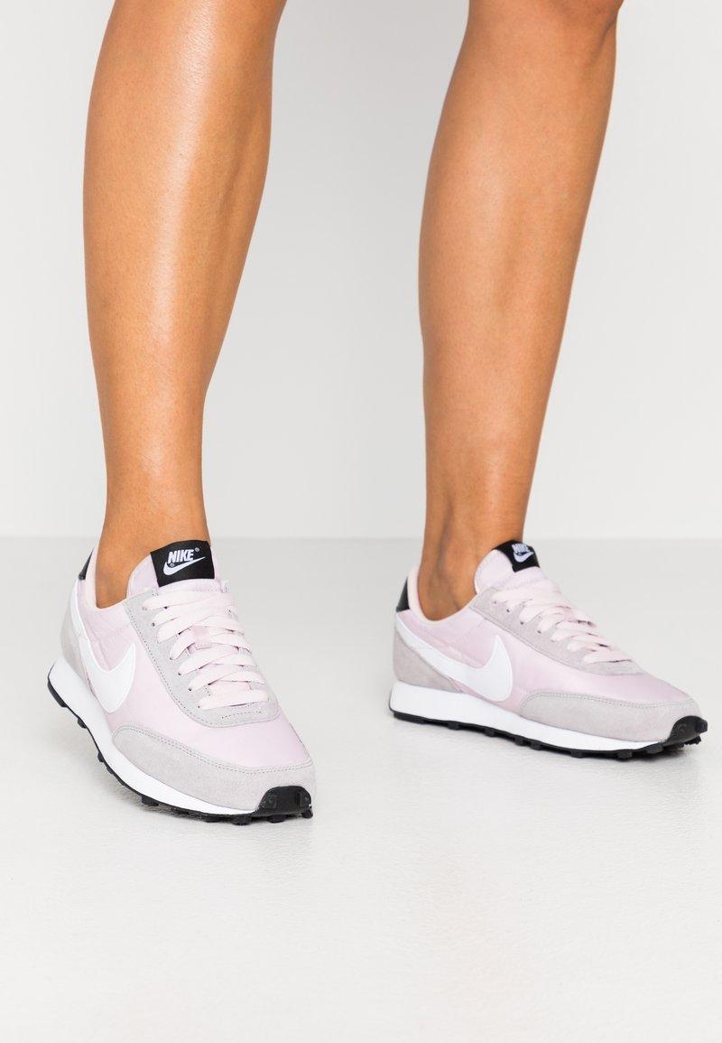 Nike Sportswear - DAYBREAK - Trainers - barely rose/white/silver/lilac/black/white