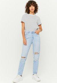 TALLY WEiJL - Slim fit jeans - bleached denim - 1
