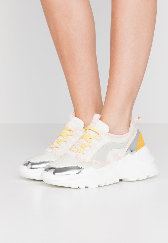 Sneakers laag - nude/yellow