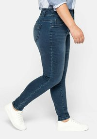 Sheego - Jeans Skinny Fit - dark blue denim - 2