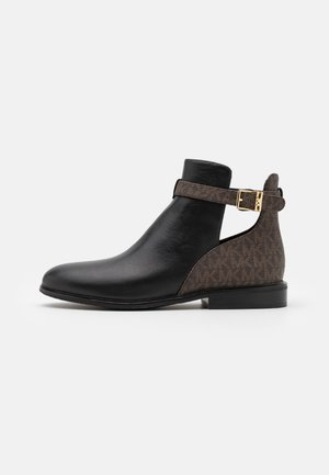 LAWSON - Botines bajos - black/brown
