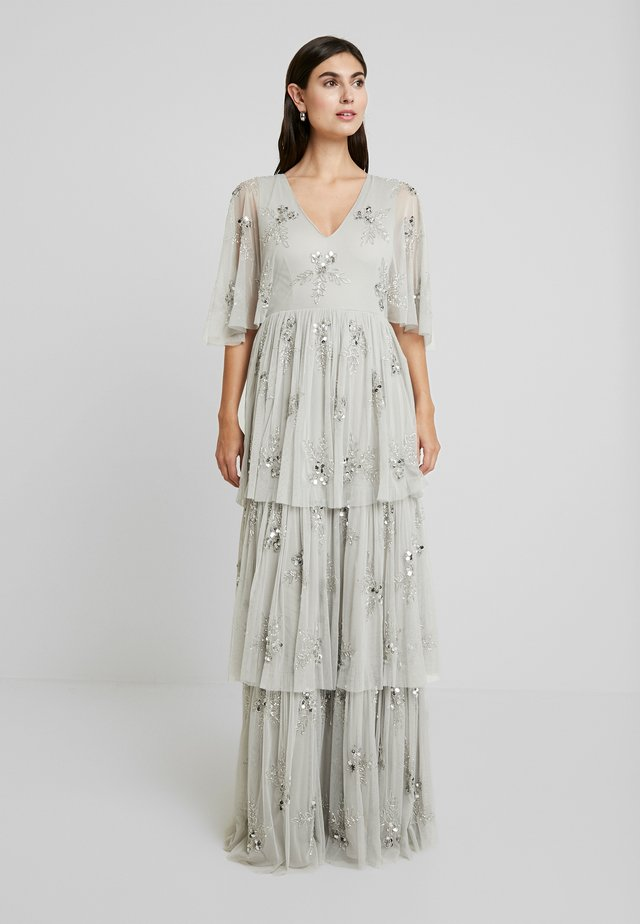 EMBELLISHED SLEEVE TIERED MAXI DRESS - Gallakjole - soft grey
