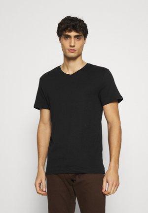 BASIC VNECK TEE - Jednoduché triko - black