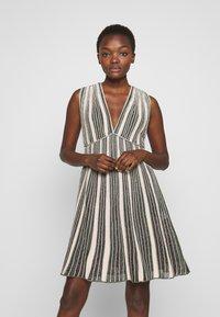 M Missoni - SLEEVES DRESS - Abito in maglia - multi-coloured - 0