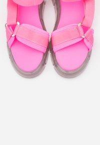 Kaltur - Sandály na platformě - pink - 4