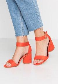 Miss Selfridge Wide Fit - WIDE FIT BLOCK HEEL BARELY THERE - Sandals - orange - 0