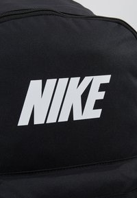 Nike Sportswear - HERITAGE  - Reppu - black - 7