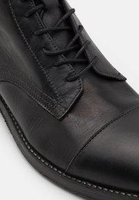 Hudson London - PALMER - Lace-up ankle boots - black - 5