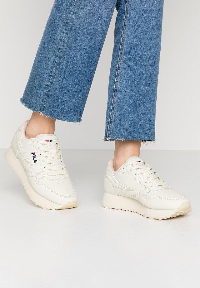 ORBIT ZEPPA - Sneakersy niskie - antique white