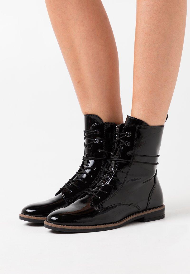 Tamaris - BOOTS - Šněrovací kotníkové boty - black