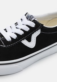 Vans - SPORT UNISEX - Matalavartiset tennarit - black/true white - 5