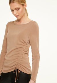 comma - Long sleeved top - chocolate camel - 3